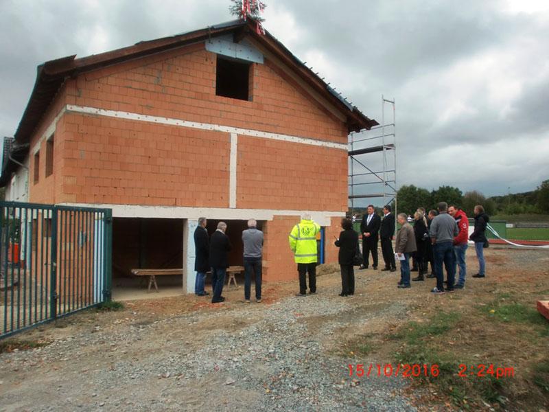 Usinger TSG feiert Richtfest für neuen Anbau